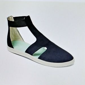 Reef Sunfolk Sandals size 7 only